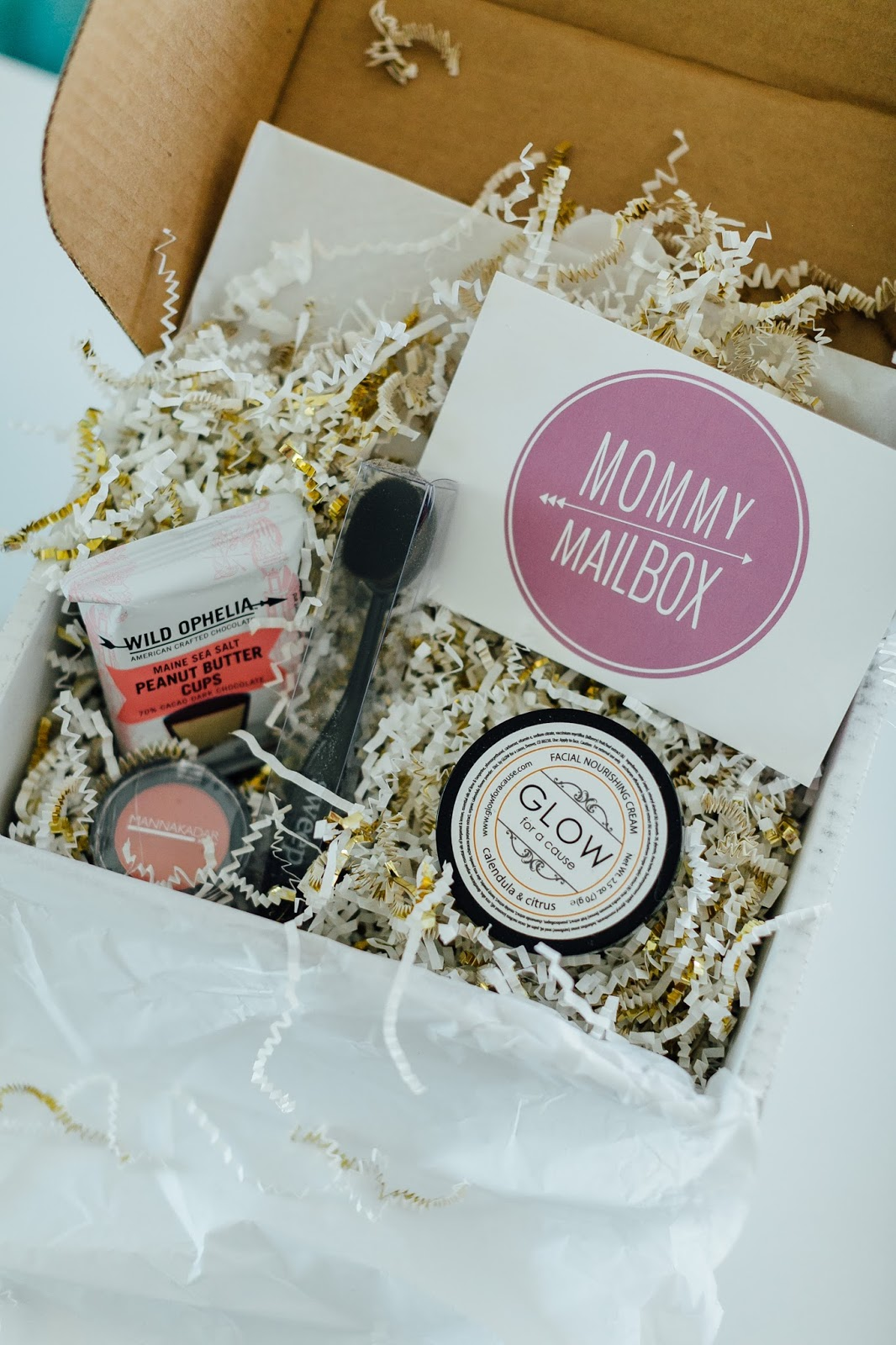 The 3 Best Subscription Boxes For Women You Need by lifestyle blogger Laura of Walking in Memphis in High Heels