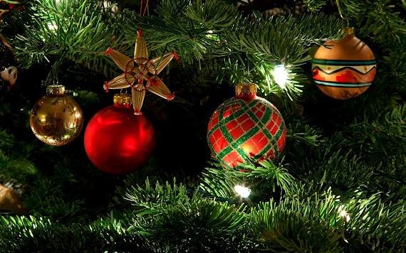 download besplatne Božićne pozadine za desktop 2560x1600 čestitke blagdani Merry Christmas kuglice za bor