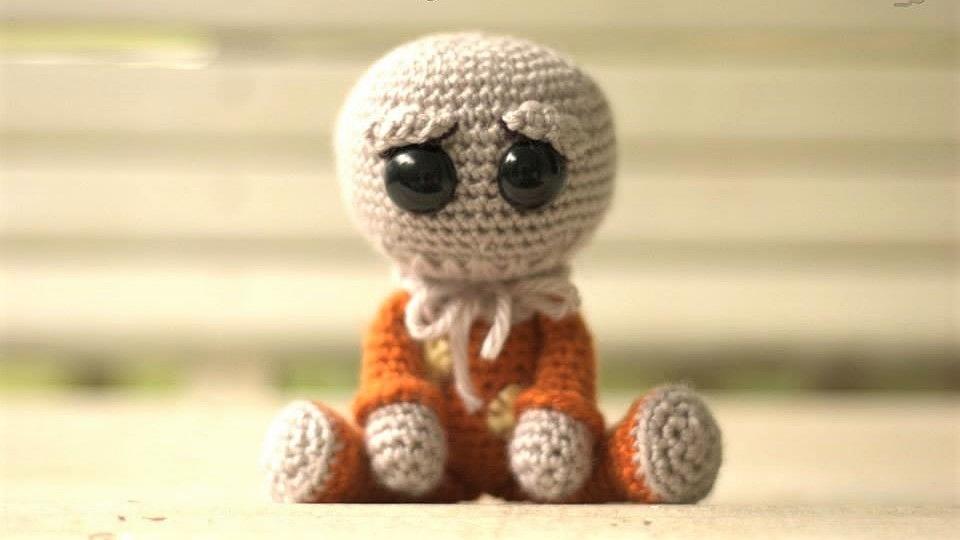 Voodoo Doll Pincushion Crochet Pattern | Supergurumi | 540x960