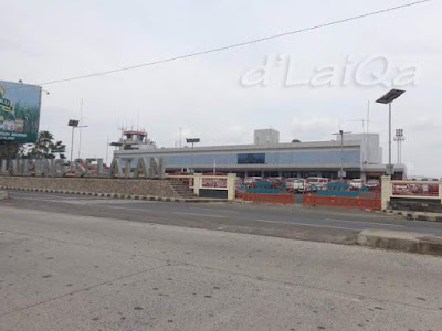 di depan bandara Radin Inten II, Branti (2)