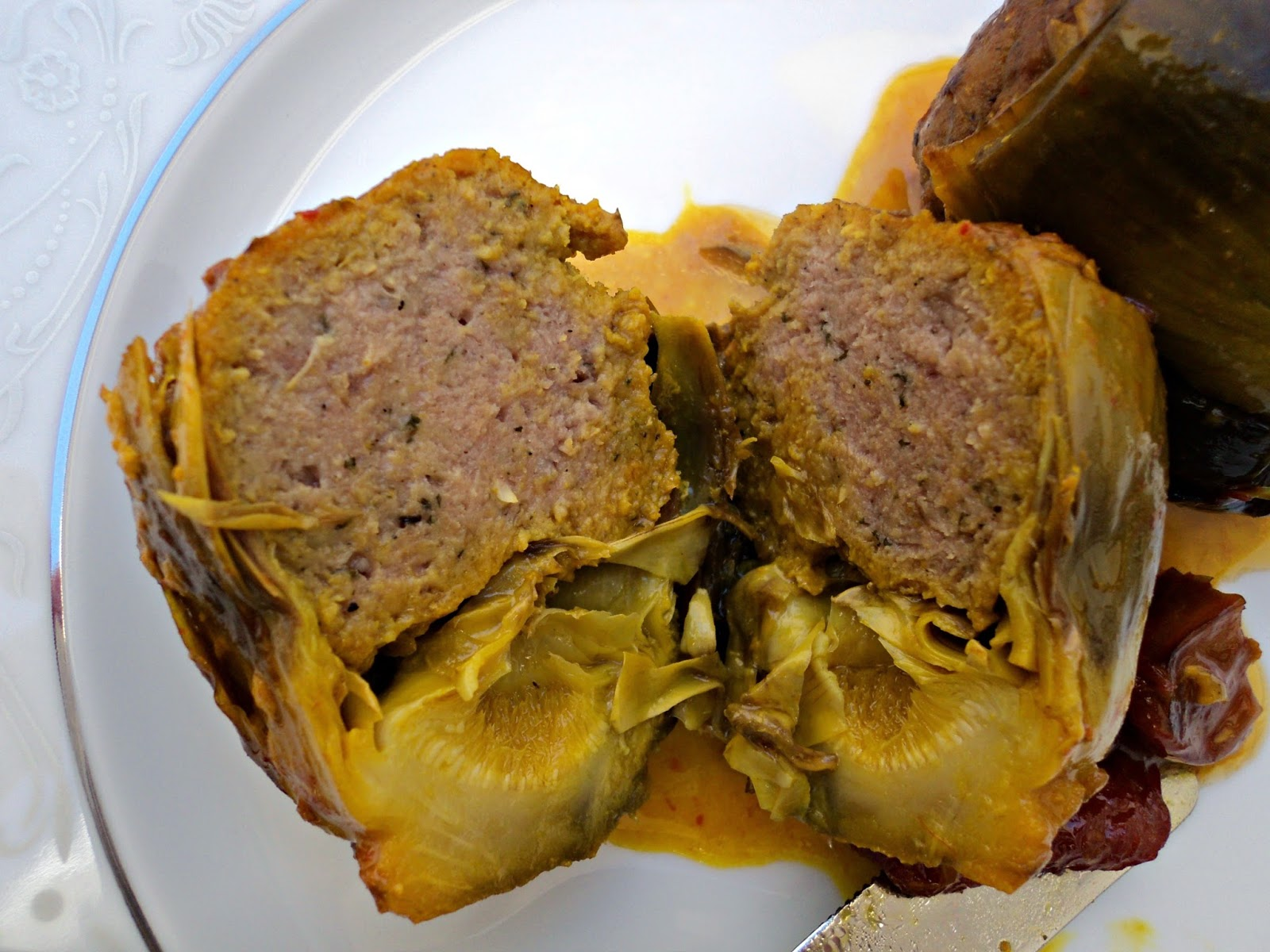 alcachofas-rellenas-asado-madre-corte
