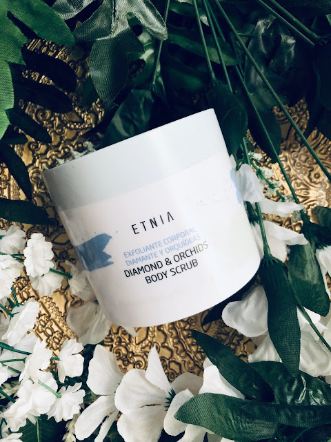 Exfoliante diamond and orchids body scrub de Etnia cosmetics