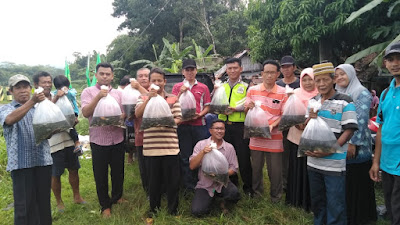 Kalikotes dan Megulungkidul, Terima Benih Ikan Sebanyak 40.000 ekor dari Dinas Kelautan dan Perikanan Provinsi Jawa Tengah