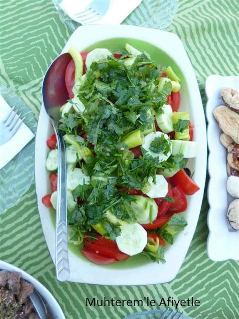 kahvaltı için salata önerisi