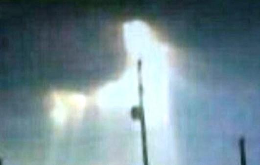 """Fotografía muestra imagen de """"Jesús"""" en el cielo"""