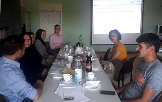 Infoveranstaltung des IQ Projekts 'Perspektiven aufzeigen' für afghanische Ratsuchende im Vereinshaus Havellandstraße in Eberswalde. Träger des Teilprojekts im IQ Landesnetzwerk ist der Verein KONTAKT EBERRSWALDE.
