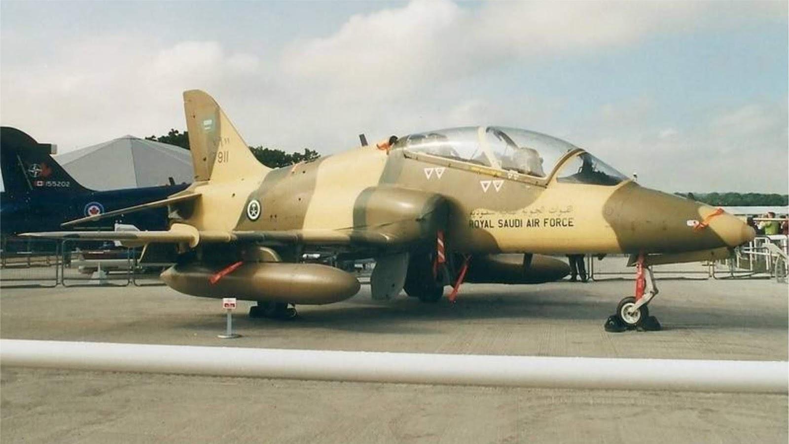 Pesawat latih Hawker Siddeley Hawk Arab Saudi jatuh