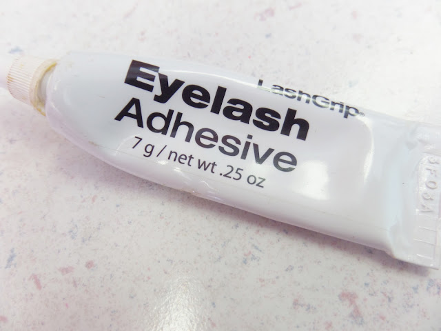 latex lash glue