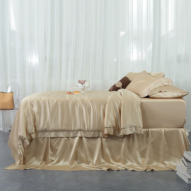 https://www.freedomsilk.com/22-momme-seamless-silk-bedding-set-p-55.html