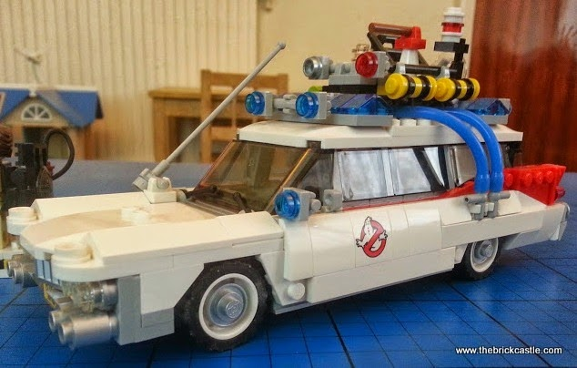 The LEGO Ghostbusters Ecto-1 Car and Minifigures set 21108 vehicle side detail