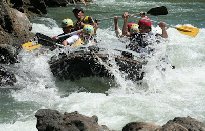 TOUR ADVENTURE RAFTING SUNGAI ELO
