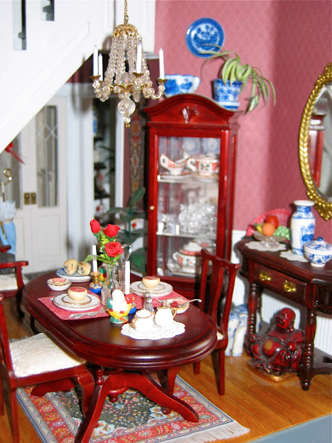 Greenleaf dollhouse