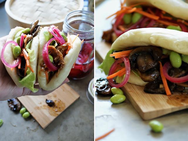 Bao Sandwiches aus gedämpften Brötchen