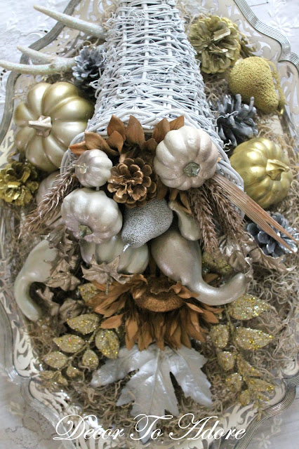 Decor-to-adore-decorates-Thanksgiving