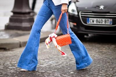 Pantalones campana, la moda que vuelve