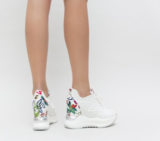 adidasi albi cu platfroma si imprimeu cu flori
