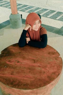 cewek hijab manis di makassar