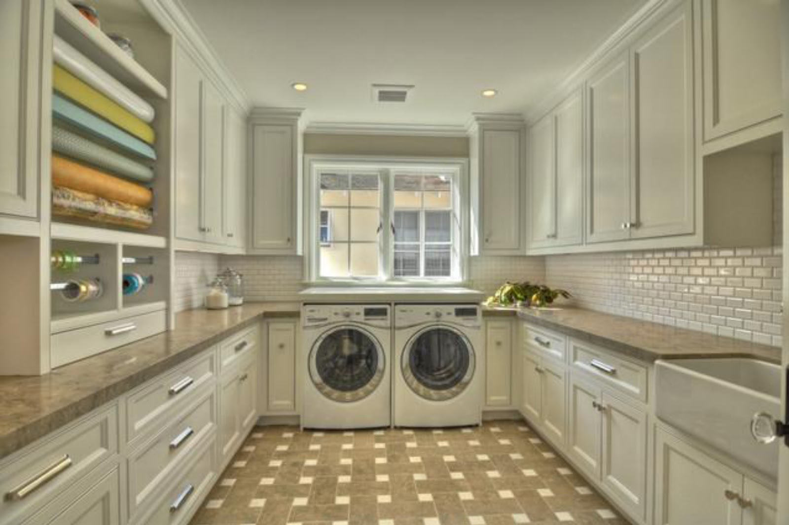 Simplifying Remodeling: Designer's Touch: 10 Tidy Laundry