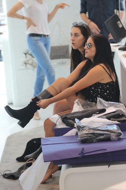 Ariel Winter – Designer Stuart Weitzman Store in Beverly Hills