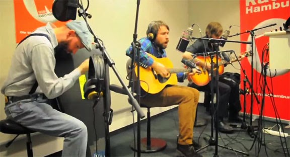 """Silly Girl"" - ""L'adulte"" - ""Queen Lullabye"" - SUNDAY MORNING LIVE : Peter, Bjorn and John - Sebastien Tellier - Ty Segall"