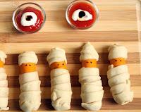 Salchichas momia para Halloween