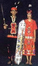 Nama-Pakaian-Adat-Tradisional-Kalimantan-Tengah-pria-wanita
