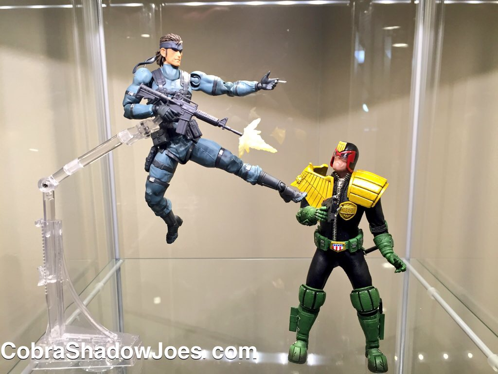 Neca Creator Of All Kinds Of Awesome Figures And So Much More Has Added Another Nice Piece To Their Collection The Neca Dynamic Figure Stand Isnt Your
