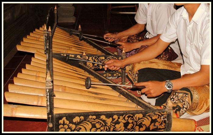 Rindik Alat Musik Tradisional Dari Bali Negeriku Indonesia