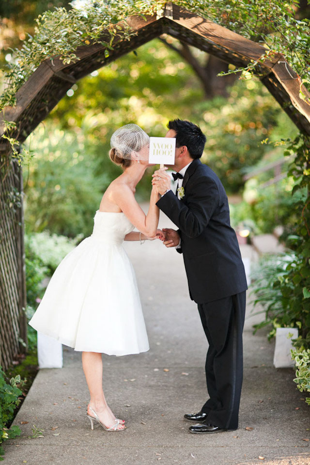 0cf0a140 Kjole: Karen Willis Holmes - foto: Julian Beattie via Bridal Musings