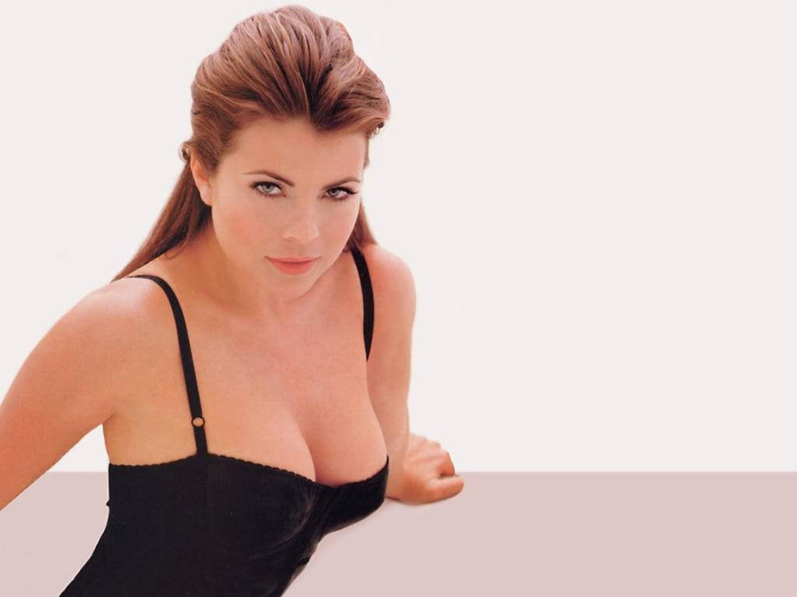 Yasmine Bleeth Tits 42