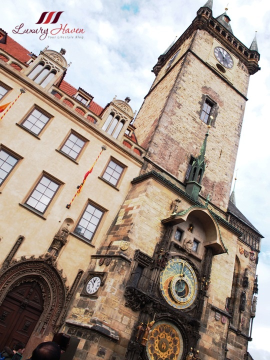 prague orlo medieval astronomical clock