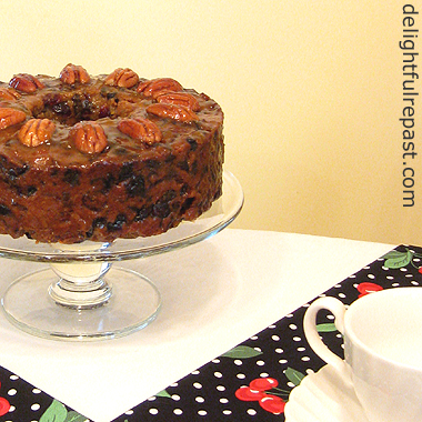 Fruitcake - Christmas Cake - Traditional English Wedding Cake / www.delightfulrepast.com