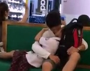 คลิปแอบถ่ายนักเรียนม.ปลายเวียดนามกอดจูบพลอดรักกันดูดดื่ม คนนี้เย็ดแน่นอน