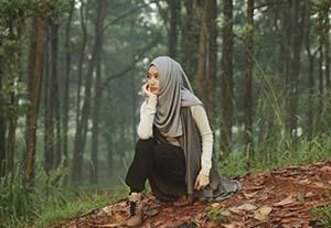 Tengku Syaira Anataya di Hutan