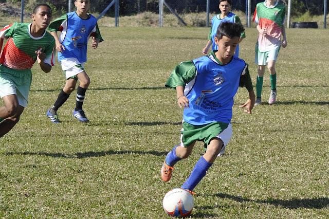 Sub-14 do Grêmio Cachoeira vence amistoso