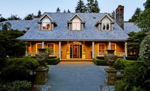 Daya tarik desain rumah Eropa merupakan keanggunan klasik dengan detail indah di dalam da Rumah Bergaya Eropa Sederhana
