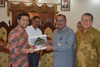 Dirjen Pengembangan Kawasan Pedesaan Kemendesa PDTT Bersama Anggota Komisi V DPR RI Kunjungi Trenggalek