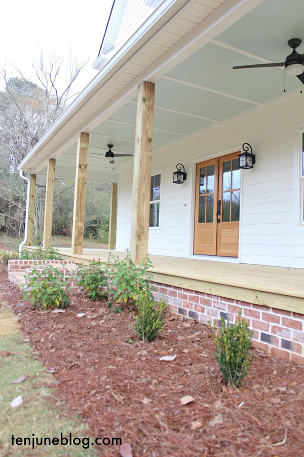 5 Beautiful examples of haint blue porch ceilings.