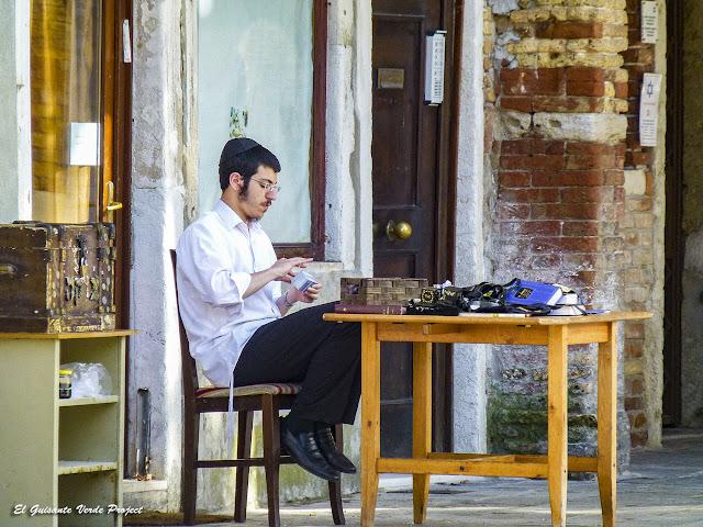 Vida Cotidiana en el Gueto de Venecia por El Guisante Verde Project