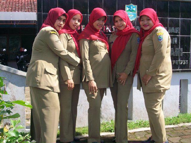Koleksi Foto Pegawai Negeri Sipil ( PNS ) Cewek Paling Hot Dan Seksi Pernah Menjadi Viral Di Facebook, Twitter Dan Instagram