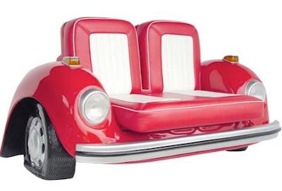 Diseño de sofá o sillón creativo con forma de auto