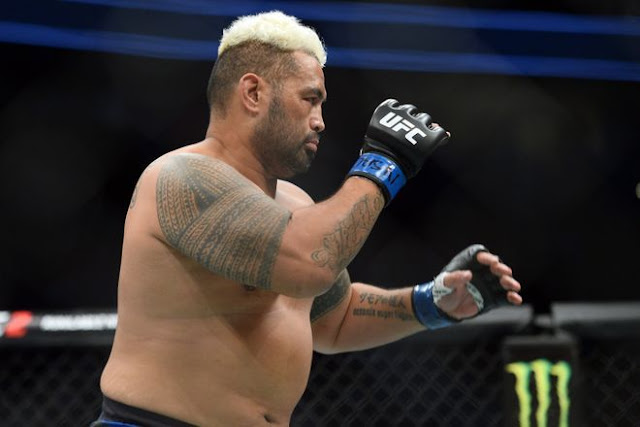 Mark Hunt: why GSP is allowed fight after alien encounter claims ?