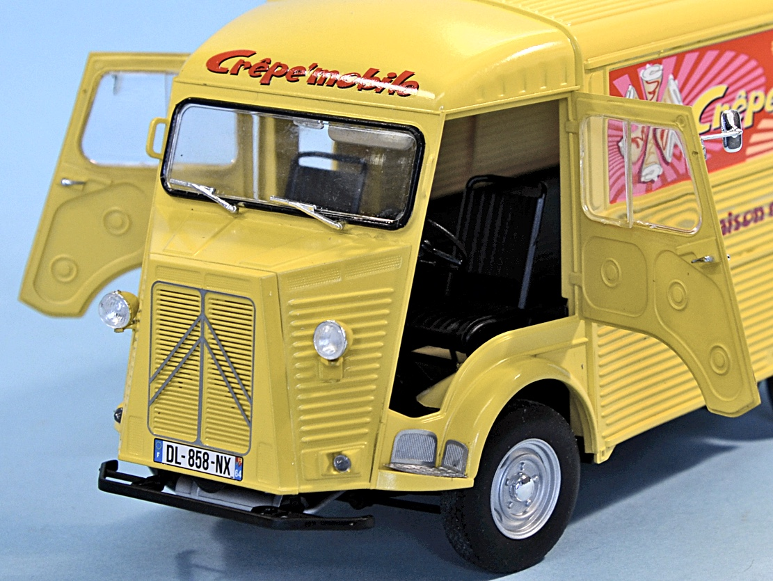 scale model news flipping pancakes with the 1 24 scale citroen type h van from ebbro. Black Bedroom Furniture Sets. Home Design Ideas