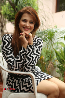 Actress Saloni Latest Pos in Short Dress  0224.JPG