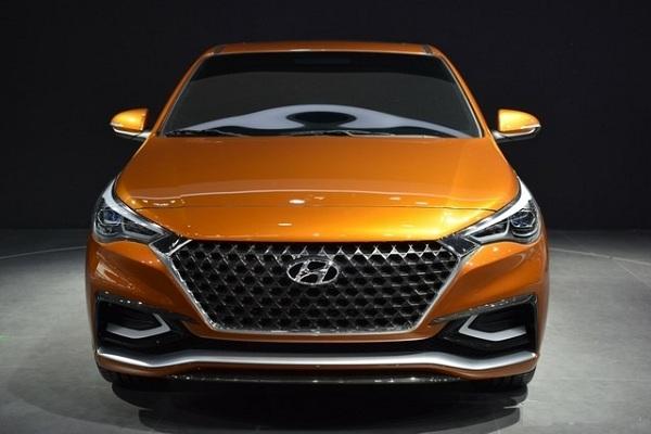 2017 Hyundai Verna front look