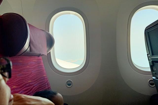 Review dan Pengalaman Naik Pesawat Qatar Airways