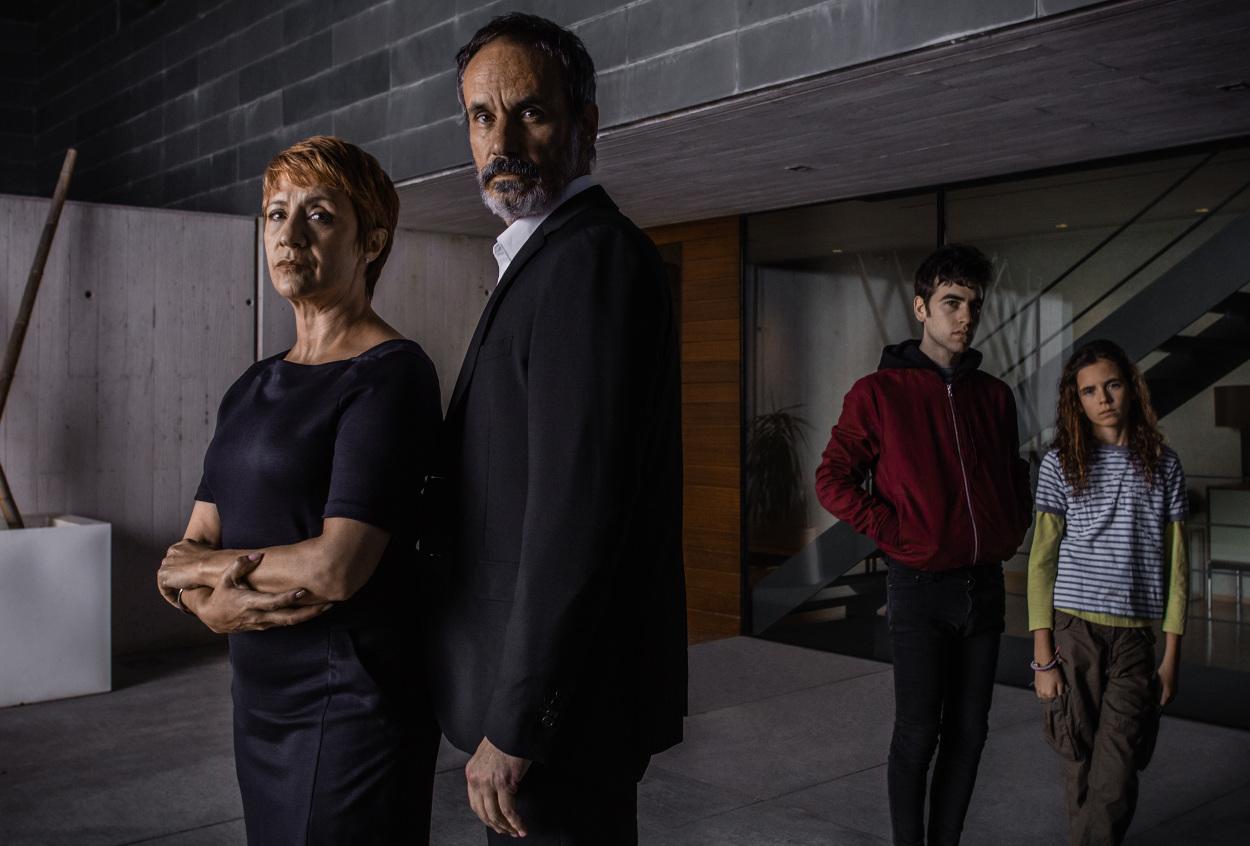 Francesc Garrido y Blanca Portillo en una foto promocional de Sé Quién Eres