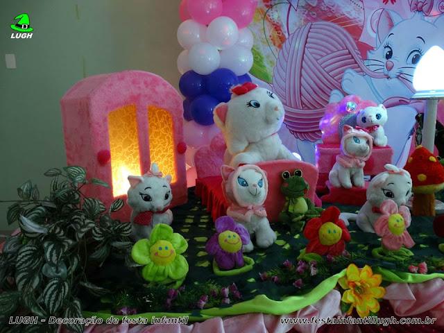 Mesa temática infantil da Gata Marie