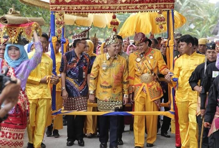 Warga Pesisir Barat Inginkan Ridho - Bachtiar Memimpin Lampung Kembali.