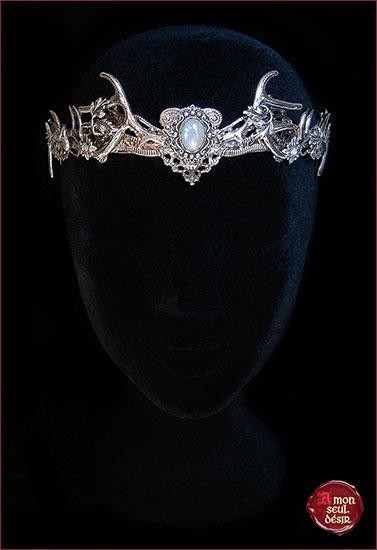 Couronne cerf argent mariage pierre de lune magie blanche wicca pagan déesse forêt faune nymphe dryade opale baratheon